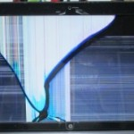HP DV7のヒビ割れの液晶交換を格安に行っております!